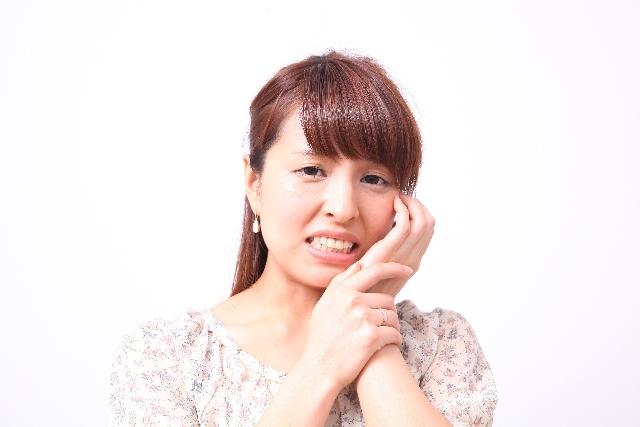 歯が痛い原因は顎関節症かも
